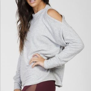 Cold shoulder Varley after workout sweat shirt